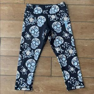 BRand new skull Capri leggings